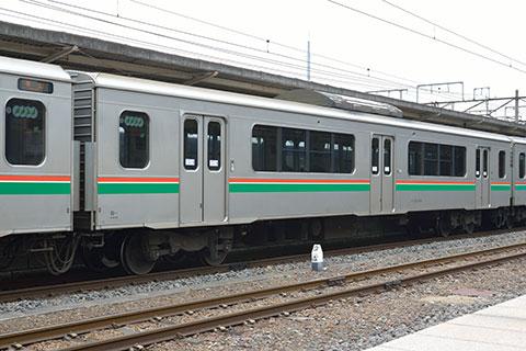 サハ700-1004