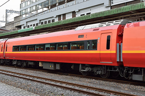 モハ252-1002