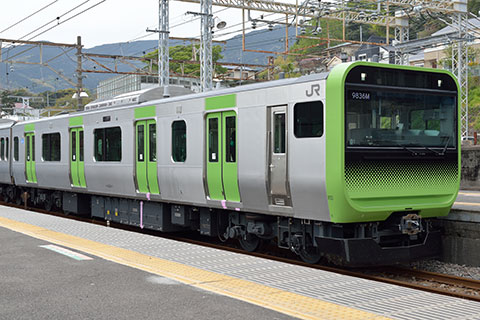 クハE235-1