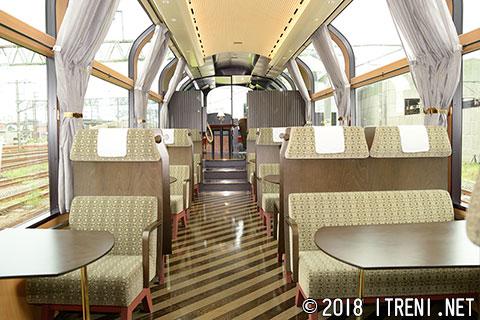 えちごトキめき鉄道ET122-1001車内