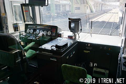 クハ485-704運転室